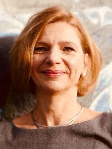 Nora Sausmikat